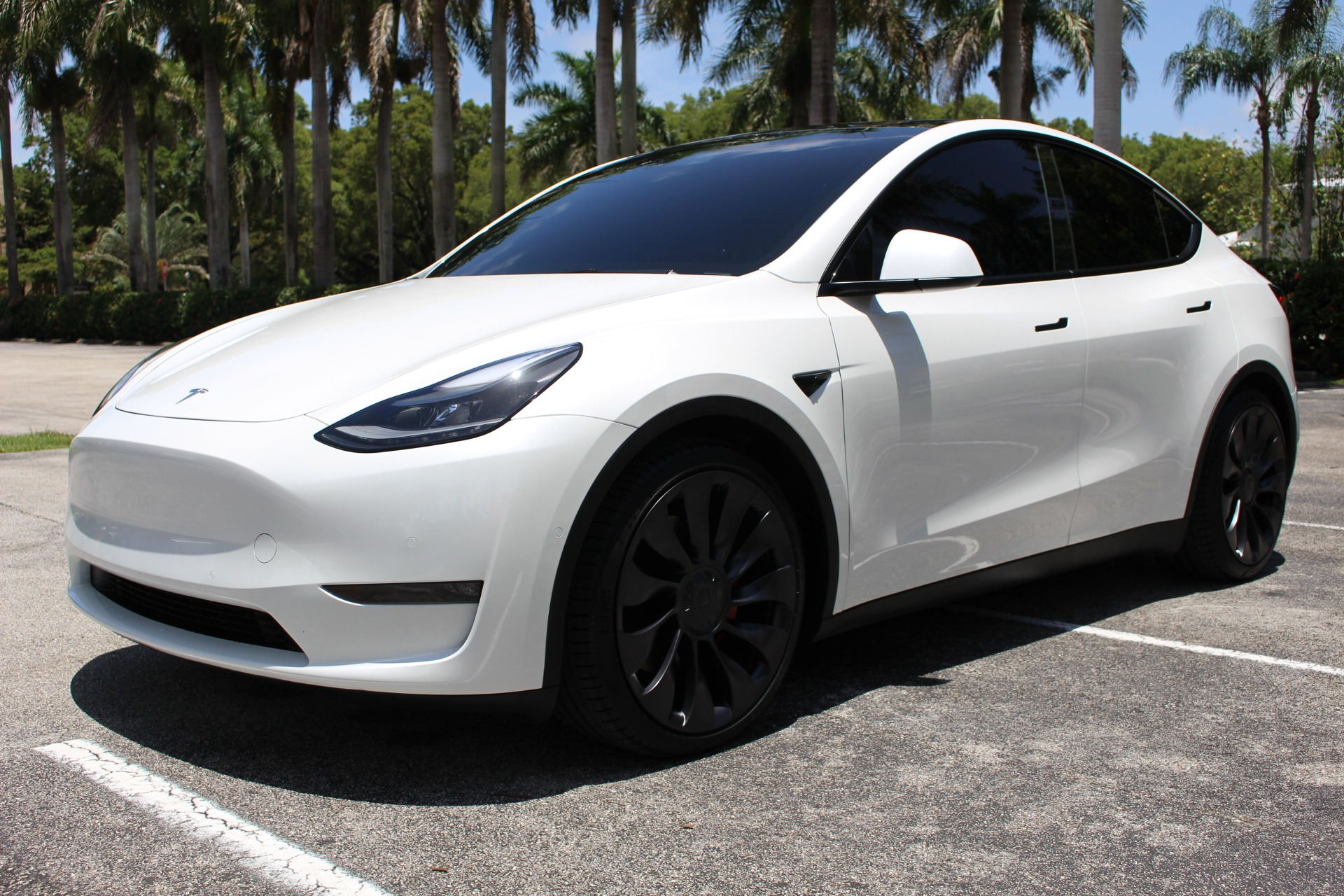 Used 2021 Tesla Model Y Performance for sale $72,850 at The Gables Sports Cars in Miami FL 33146 1