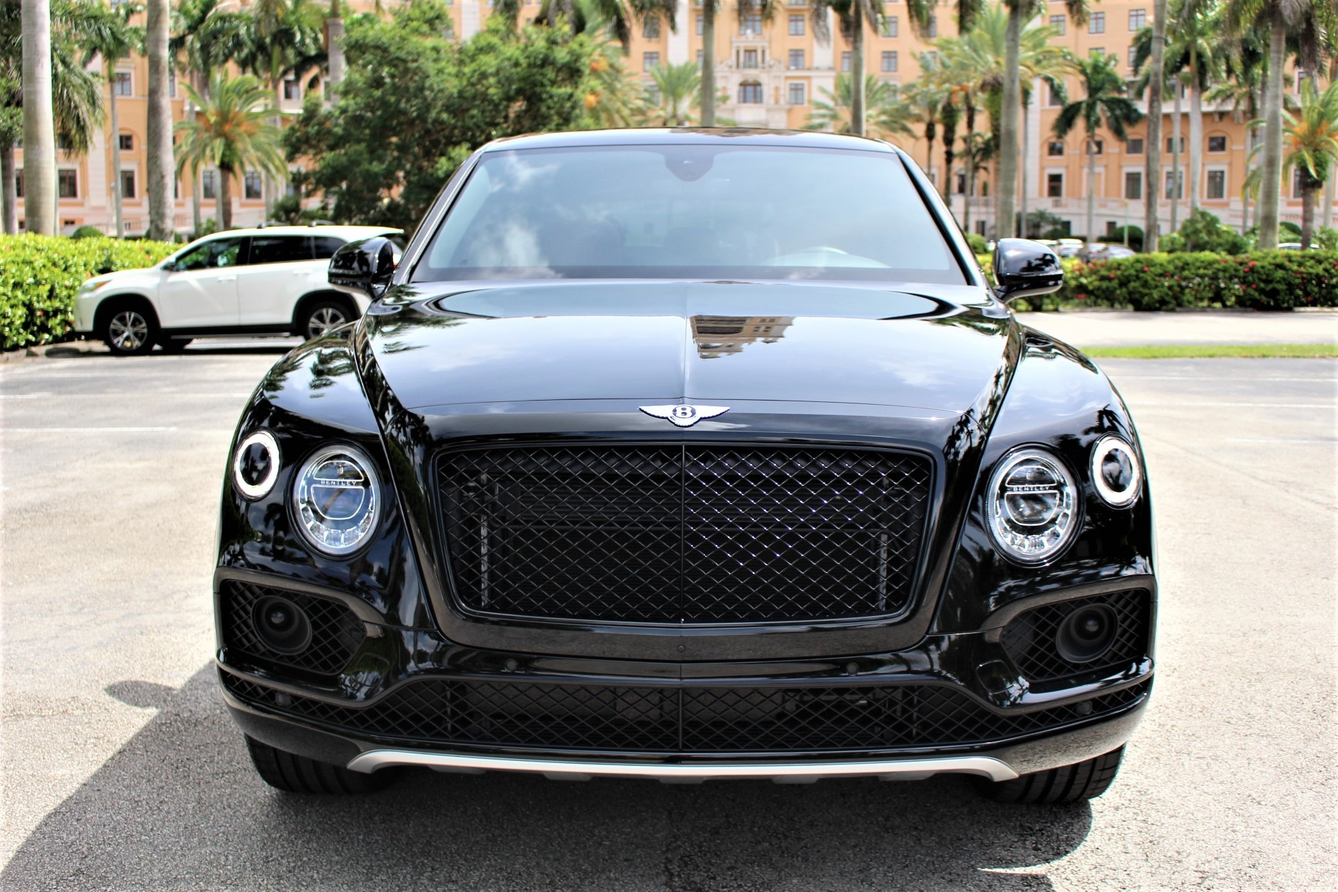 Used 2018 Bentley Bentayga W12 Signature Edition for sale $159,850 at The Gables Sports Cars in Miami FL 33146 3