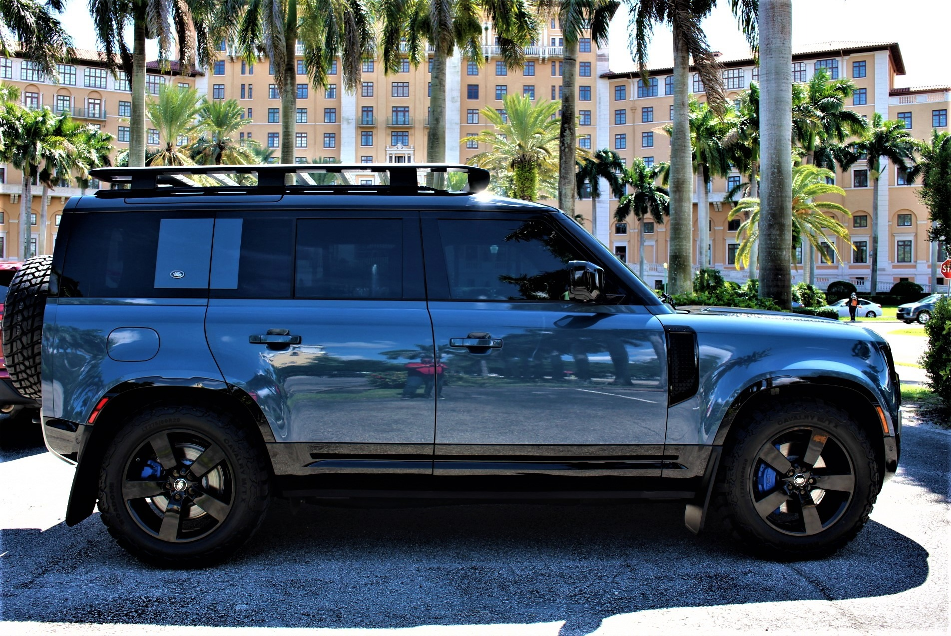 New 2021 Land Rover Defender 110 X-Dynamic SE for sale $96,850 at The Gables Sports Cars in Miami FL 33146 1