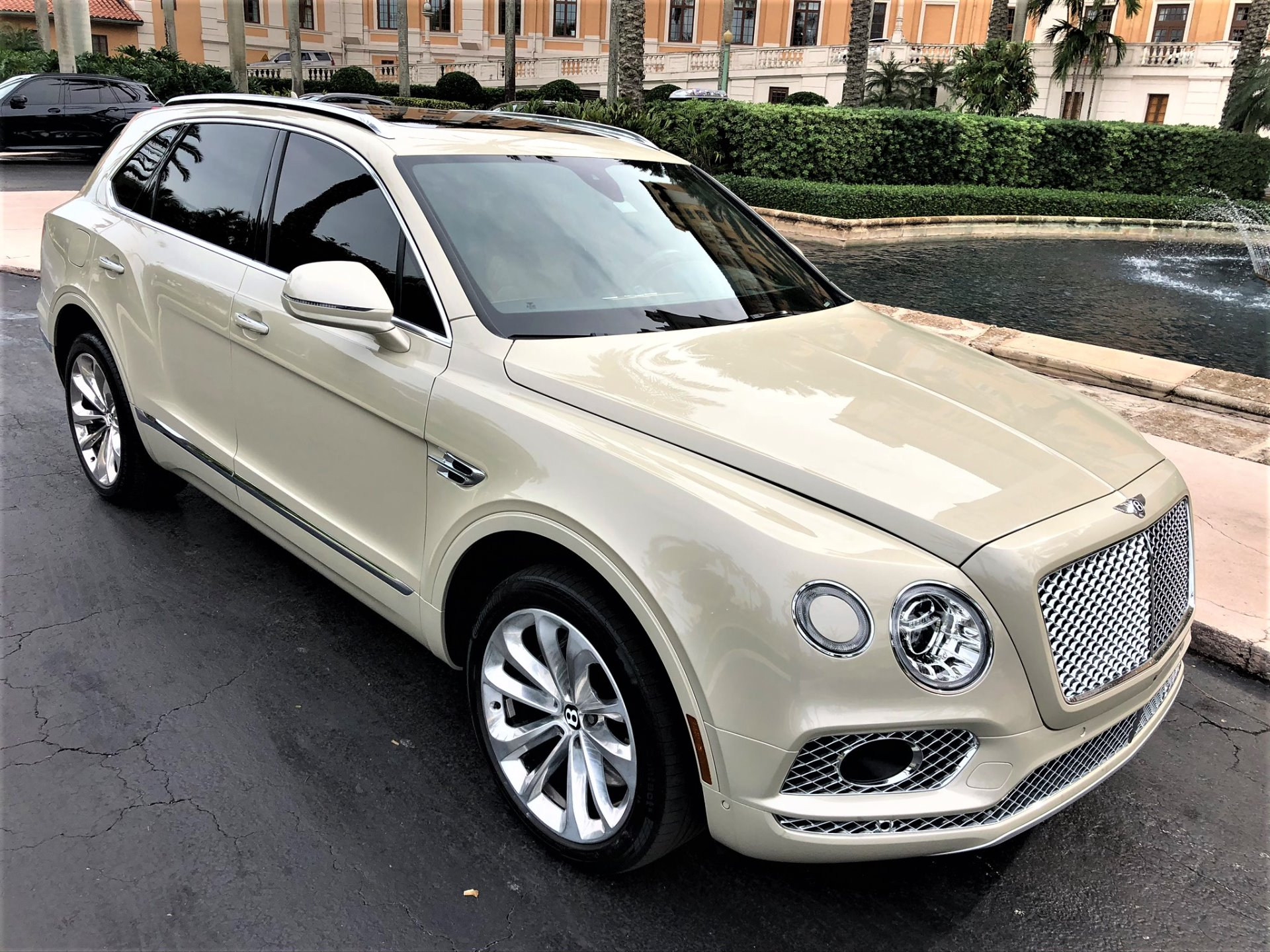Used 2017 Bentley Bentayga W12 for sale $144,850 at The Gables Sports Cars in Miami FL 33146 3